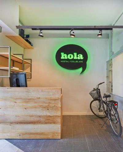 Hola Hostal Collblanc | Designed by MutuoEstudio